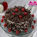 Black Forest Cake With Chocolate Flakes Topping