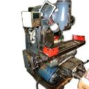 Milling Machine With Swiveling Head