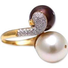 Pearl Ring With Chocolate Colored Pearl & Creamy Pearl