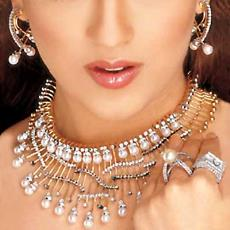 Pearl Set With Gross Weight Of 224.020 Gm