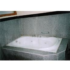 Whirlpool Jacuzzi With Hydro Massage Nozzles